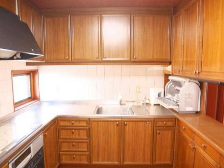 キッチン 2階キッチンです。収納も豊富にお使い頂けます。