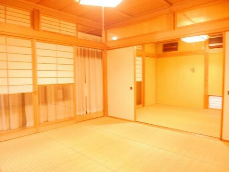 専用部・室内写真 1階和室は二間続きです。襖を開放して空間を広くお使い頂けます。