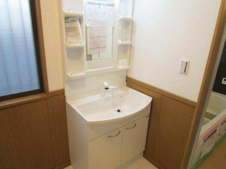 専用部・室内写真 【現在リフォーム中:11/21撮影】洗面化粧台は新品交換予定です。毎日使う水回りが新品なのは嬉しいですよね