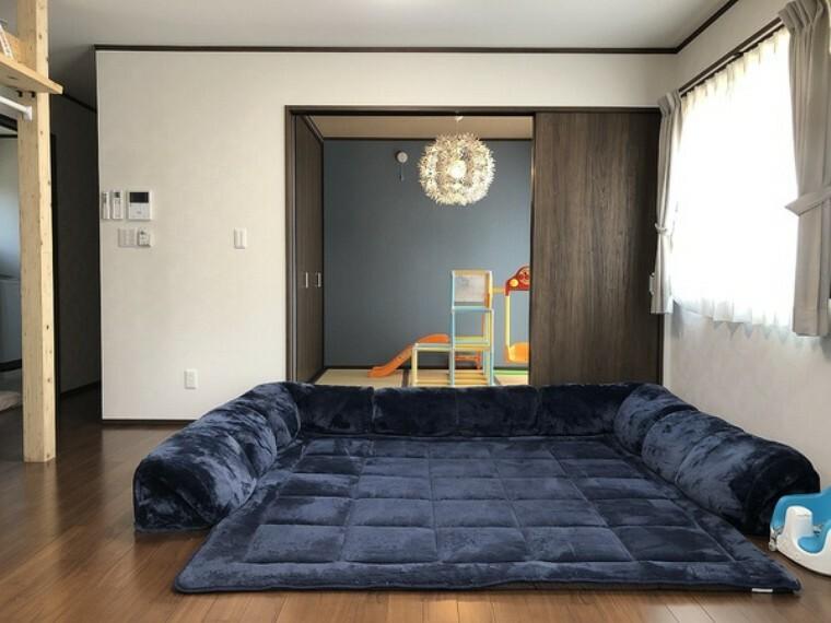 居間・リビング LD+隣接和室、間仕切りを開放すれば計25帖のおもてなしスペースに!