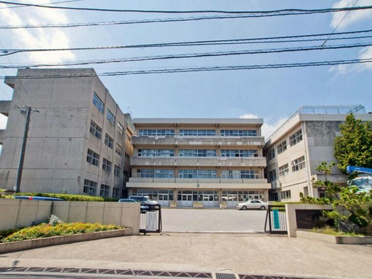 中学校 松戸市立六実中学校 徒歩約20分