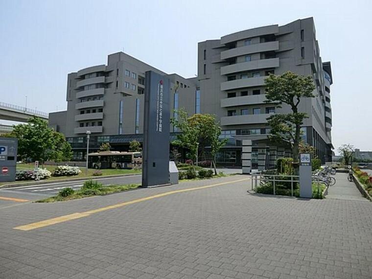 病院 横浜市立みなと赤十字病院(2005年に開院された総合病院。病床数は634床。救命救急センター、母子周産期医療センター、災害医療など多機能な中核病院として機能しています。)