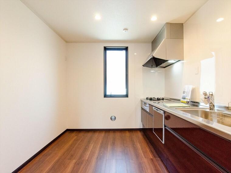 キッチン 家族の健康を支えるキッチン。毎日使う場所だから気持よく使えて、居心地の良い空間に。