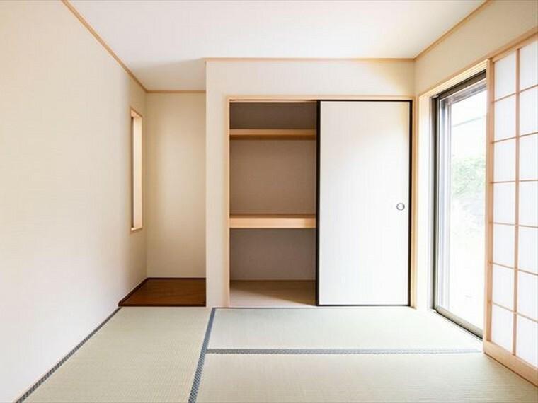 和室 「家族団らん」 「来客時の客間」 等々多目的なスペースとして活用出来る便利な空間です。