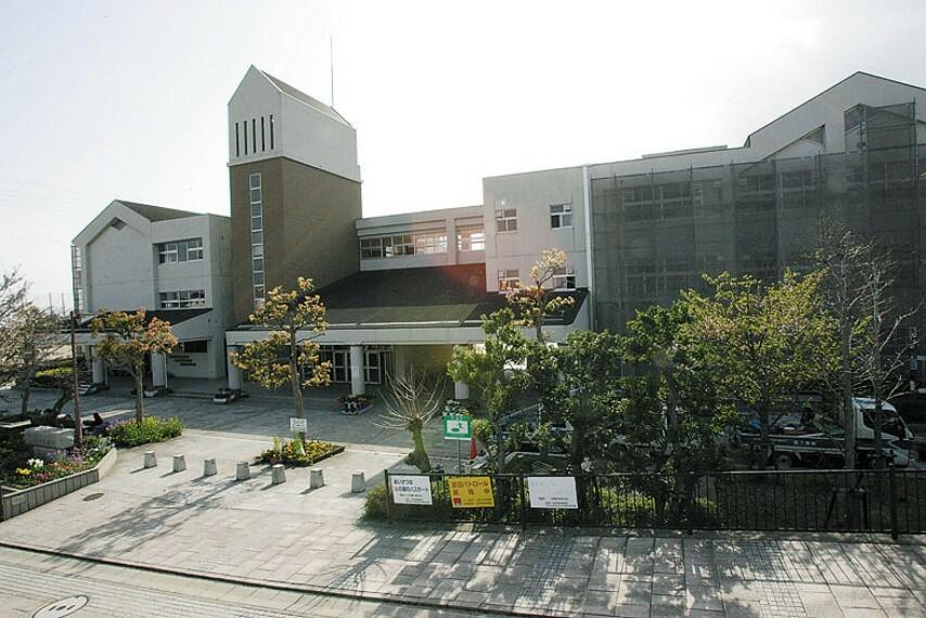 中学校 【中学校】宝塚市立山手台中学校まで1612m