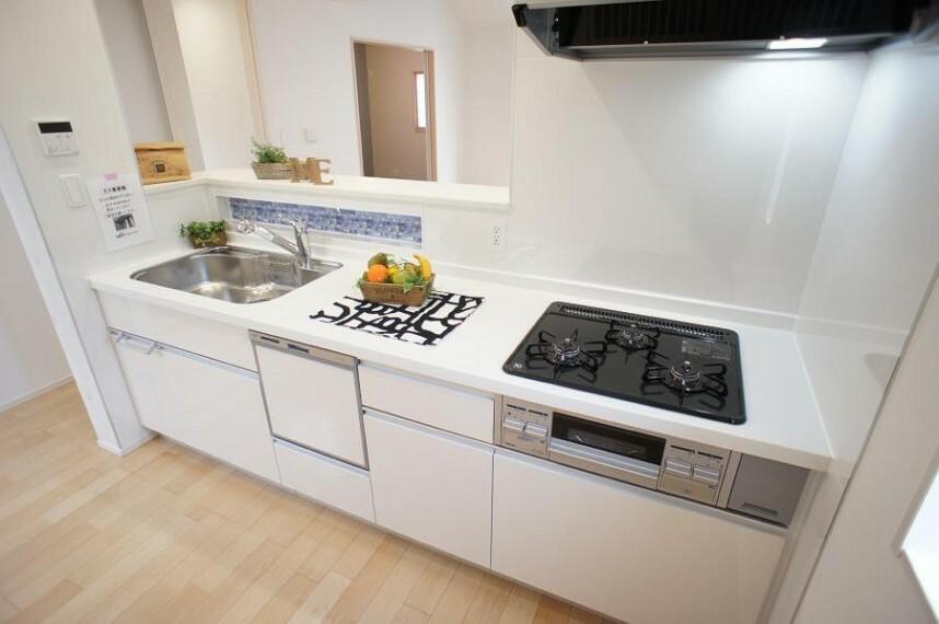 キッチン 広くて使い勝手のよいキッチン。ご自慢のお料理で家族の笑顔が広がります。