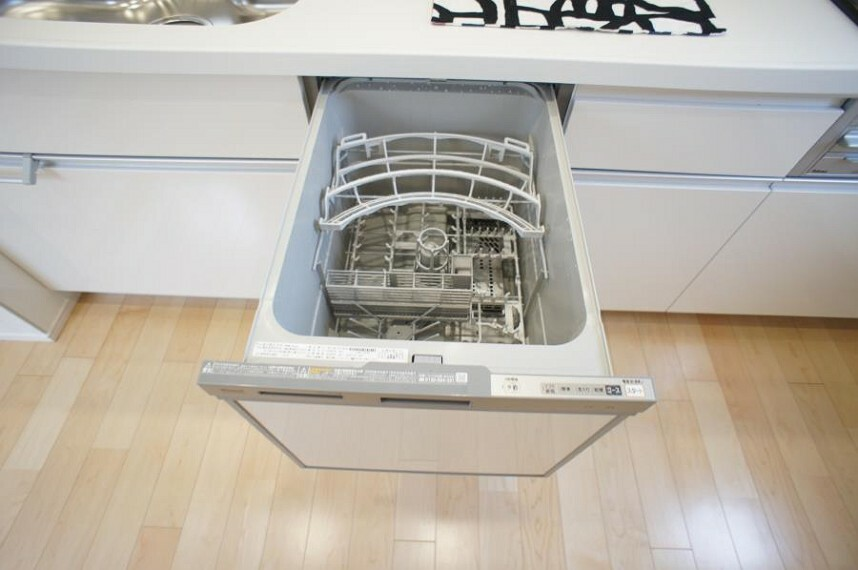 食器洗乾燥機付で忙しいパパやママをサポート