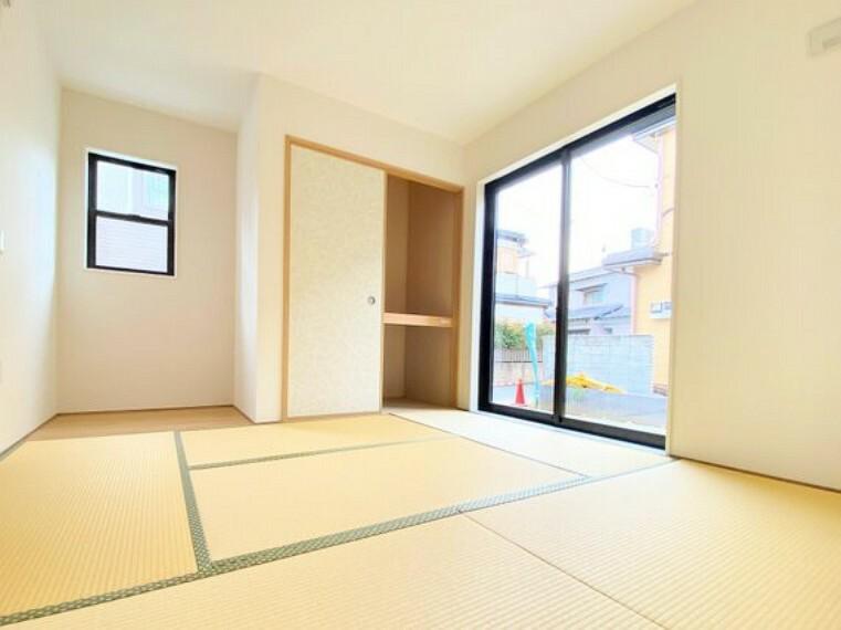 和室 リビングと続き間の和室は、のんびりできる憩いの空間。