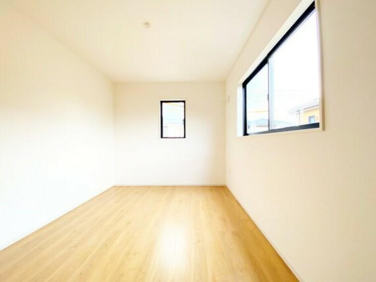 洋室 2階の居室は全て6帖以上の嬉しい間取り。