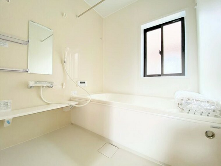 浴室 心地よいバスタイムを演出する浴室はゆとりあるサイズを採用。