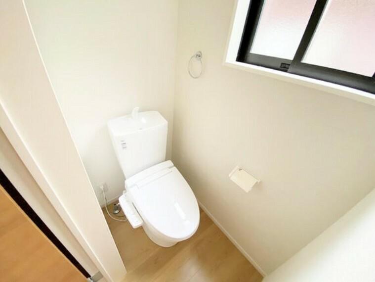 トイレ 1F2Fそれぞれにトイレを設置。