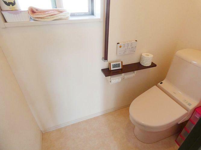 トイレ ウォシュレット(2階)