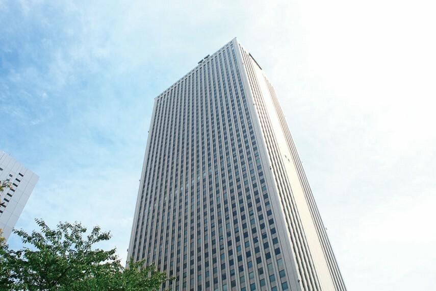 池袋駅へ13分  都営大江戸線利用、「練馬」駅より西武池袋線準急に乗換。
