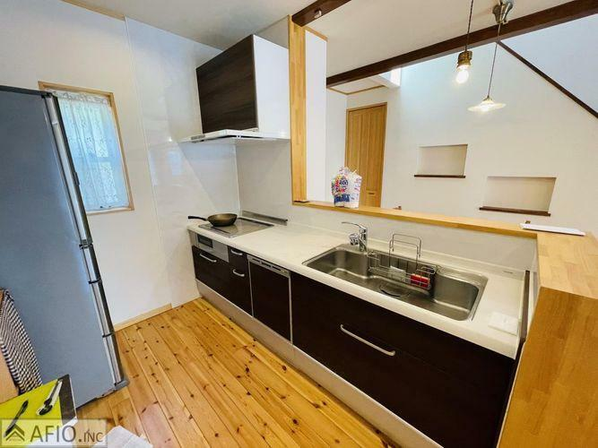 キッチン 明るく広々としたキッチン