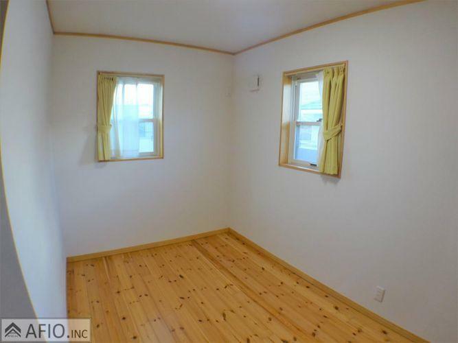2面採光で明るく、風通しの良いお部屋です。