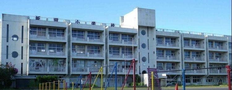 小学校 君津市立坂田小学校 徒歩10分。