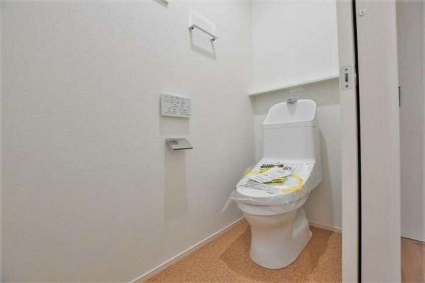 トイレ 1階トイレ 洗浄便座付き!