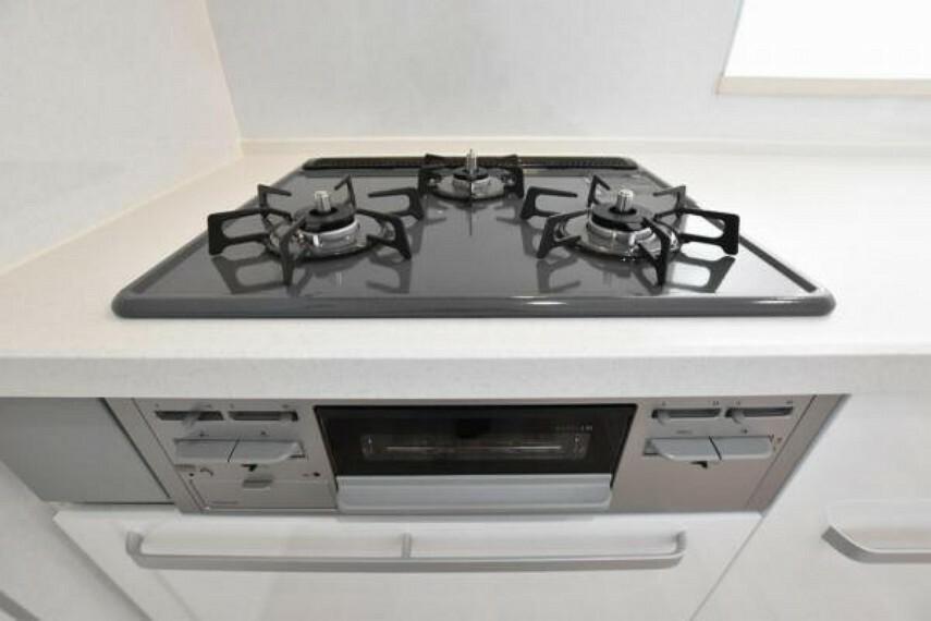 キッチン ガスコンロ!毎日の調理に便利な3口ガスコンロ!