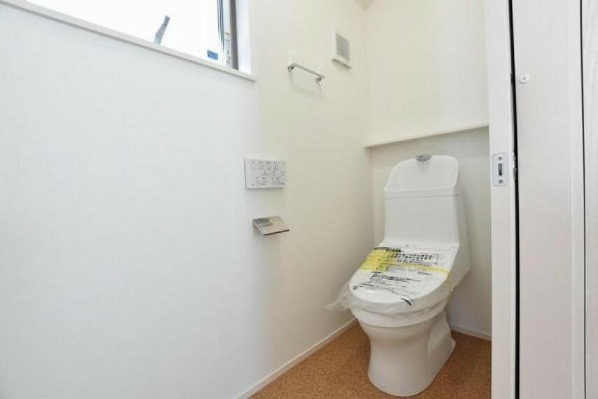 トイレ 2階トイレ 洗浄便座付き!