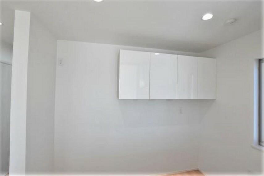 収納 キッチン吊り戸棚収納 普段使わない物を収納してスッキリとした空間を維持することができます!
