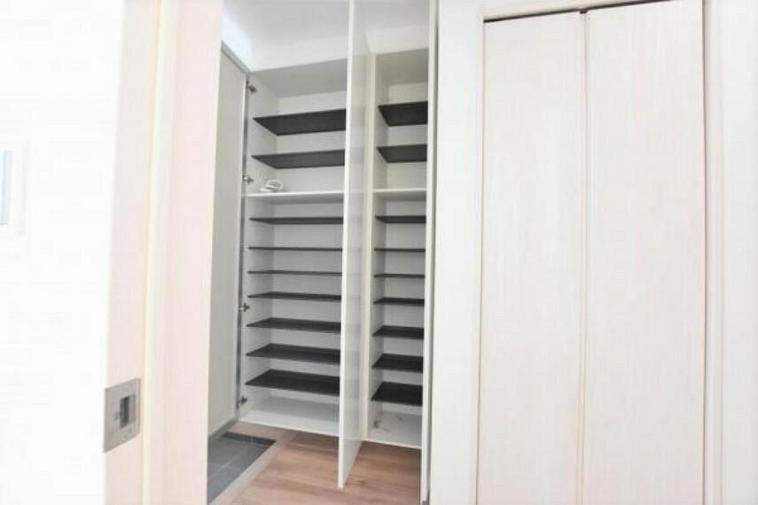 収納 下駄箱 靴はもちろん、日用品も収納できます!