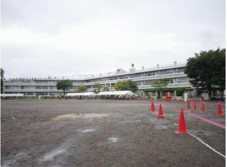 小学校 【小学校】真岡市立真岡東小学校まで820m