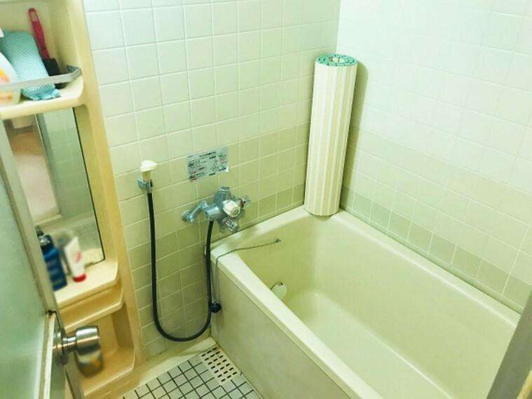 浴室 一日の疲れを癒す清潔な浴室