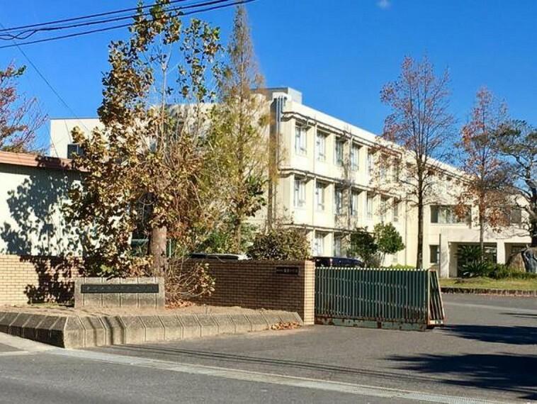 中学校 東近江市立聖徳中学校