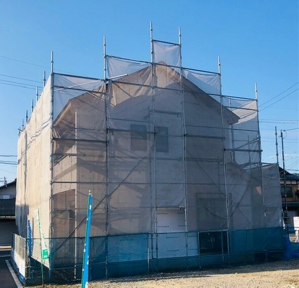 外観・現況 外壁材(サイディング)施工前処理 防水防湿シートが綺麗に張られてます。