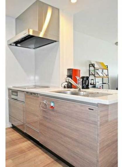 キッチン IHクッキングヒーター・ビルトイン食器乾燥機付!