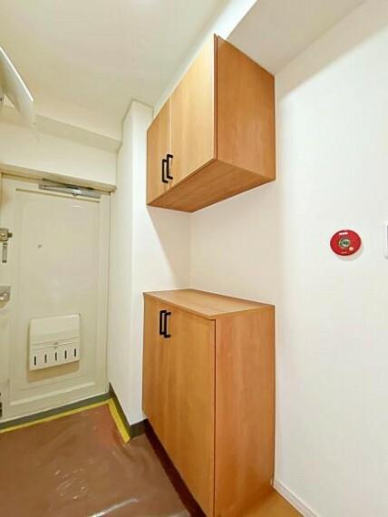 収納 玄関には豊富な収納量のシューズインクローゼットがあります。