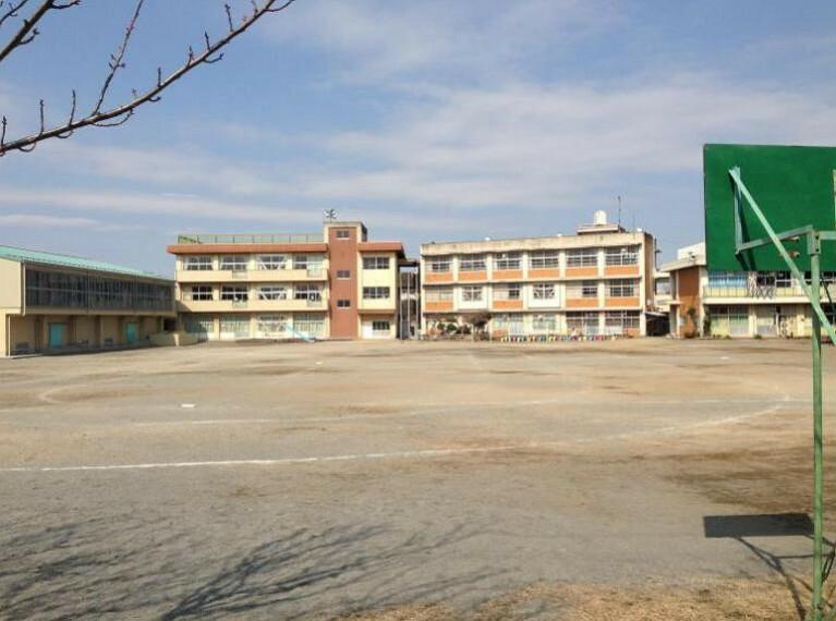 小学校 【小学校】鴻巣市立箕田小学校まで325m