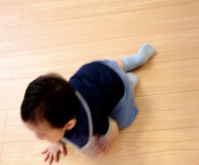 【床暖房】  床面から暖めるので足元からポカポカと空間全体暖かさが広がります。※LDのみ(施工例/イメージ)