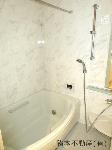 浴室 自動湯張り機能、浴室乾燥付きバスルーム
