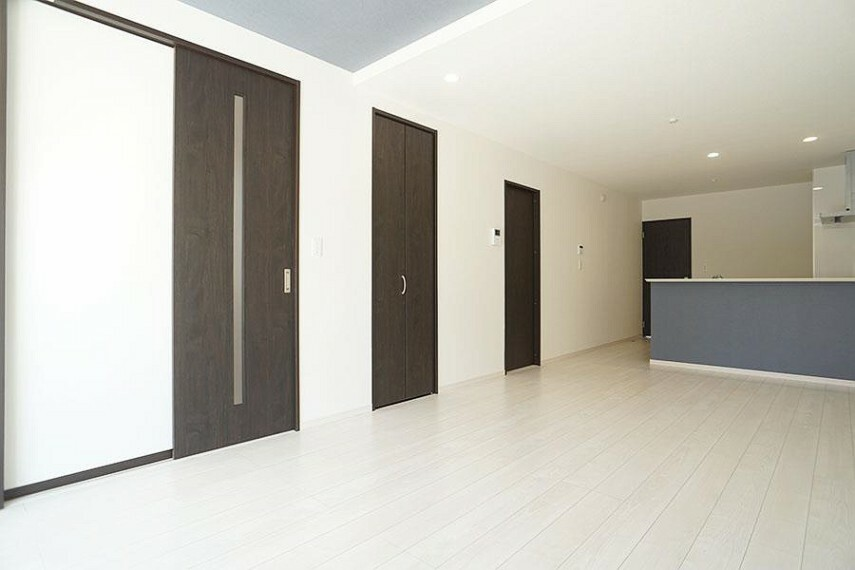 居間・リビング ~living room~  ご家族の会話がはずむ、開放的なLDK