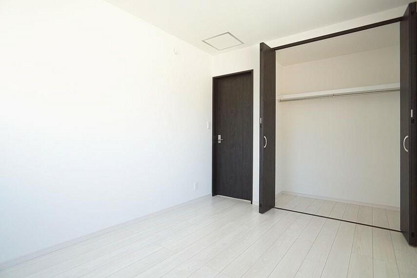 洋室 ~bedroom~  部屋ごとに設けた収納は住みやすさへのこだわり