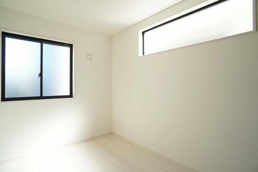洋室 ~bedroom~  お陽さまの光をさわやかな風をたっぷりとりこめます