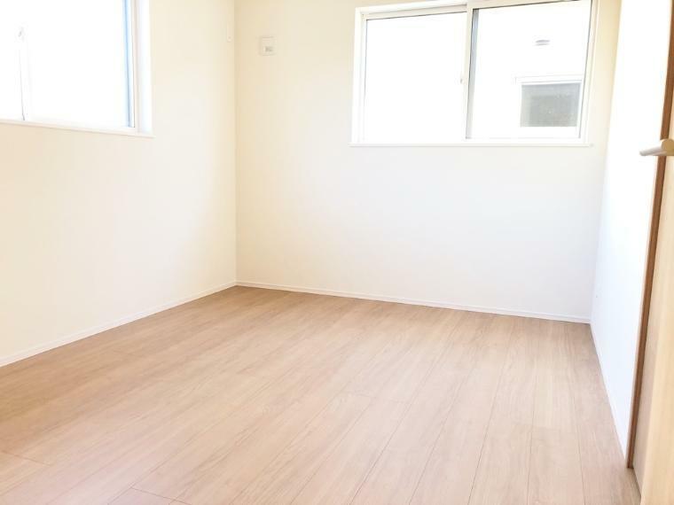 洋室 全居室収納付き