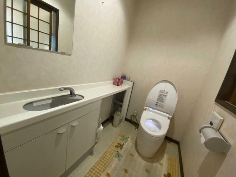 トイレ お手洗いは全部で3ヵ所ございます。