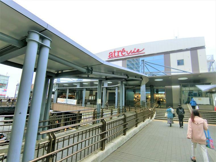 三鷹駅(南側)の写真です。