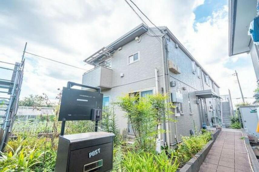 外観写真 セキスイハイム施工の2世帯住宅対応の築浅の邸宅です。