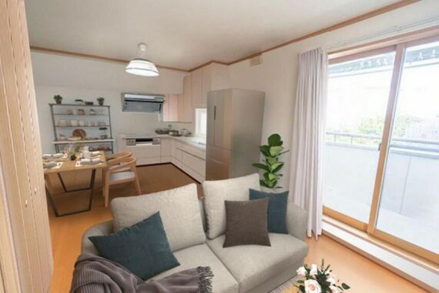 居間・リビング 2階のリビングになります。彩光を差し込む大きな窓が魅力です。※家具はCGによるイメージです。