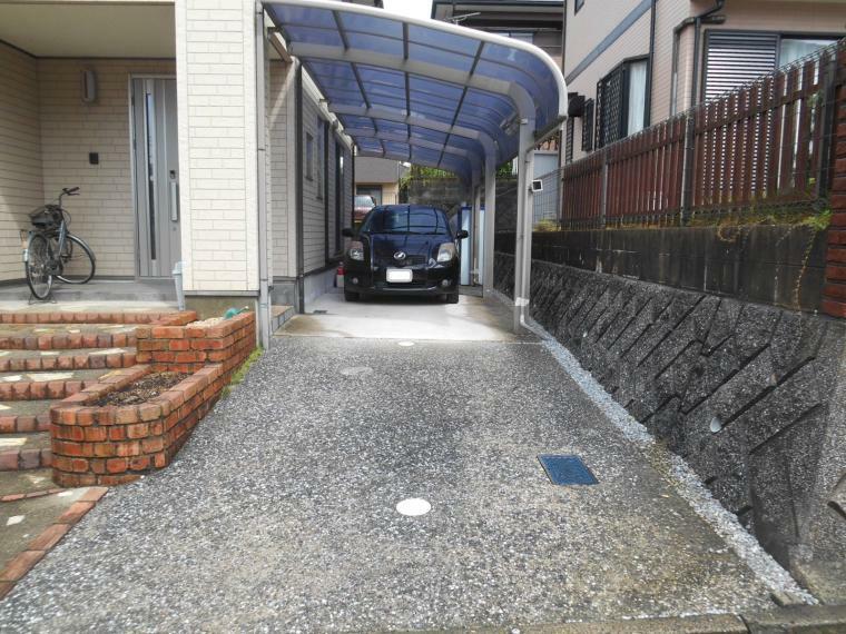 駐車場 縦列3台分