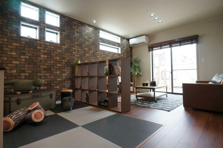 居間・リビング 【当社施工事例】リビングとダイニングの間には畳のキッズスペース