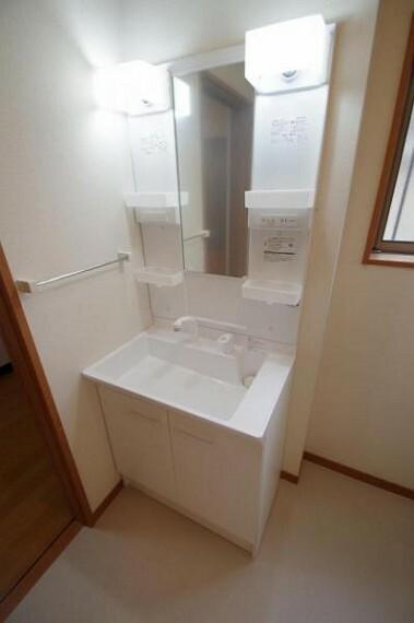 洗面化粧台 お手入れしやすいタイプの洗面台です!