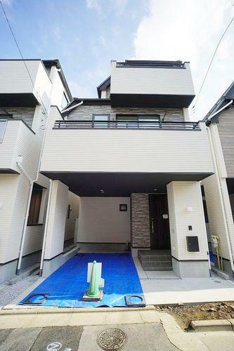 現況写真 丸ノ内線「東高円寺駅」まで8分。都心とは思えないほど静かな住宅地に完成した新築分譲住宅全3棟です。