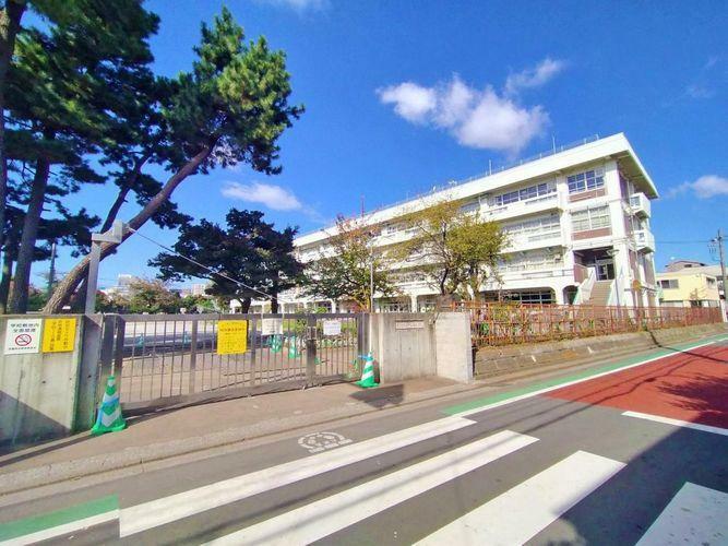 小学校 武蔵野市立第三小学校 徒歩2分。