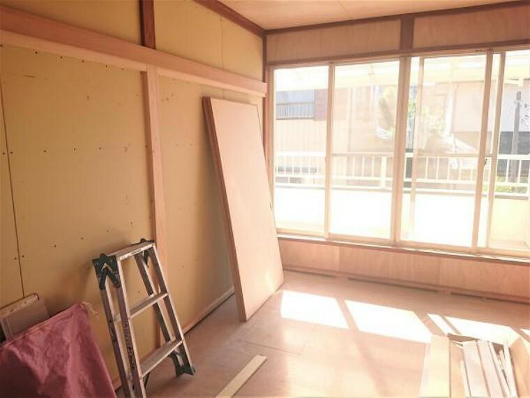 【リフォーム中 11/14撮影】2階和室です。畳は表替えをします。新しい伊草の匂いに包まれると気持ちが安らぎますね。