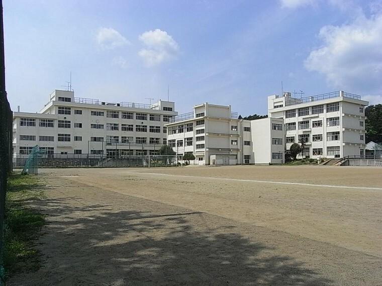 中学校 仙台市立愛宕中学校まで1300m(徒歩17分)