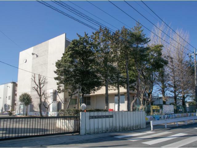 小学校 越谷市立桜井中学校学区 近いので通学楽々でパパとママも安心です